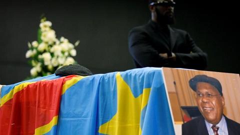 L'opposant  Tshisekedi: Oppositions jusqu'à son inhumation