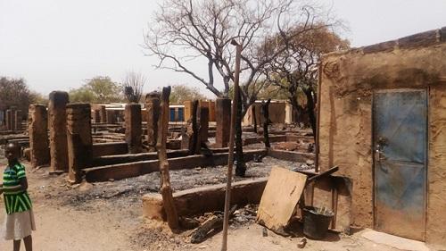 Incendie au marché  de Nioko II: Une délégation de l'UPC sur les décombres pour apporter soutien aux commerçants