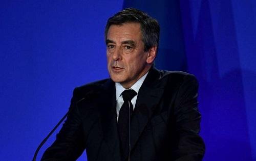 François Fillon a tort de maintenir sa candidature pour 75 % des Français