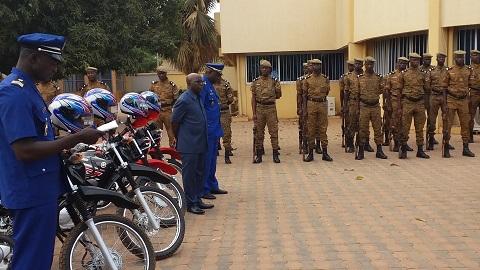 Lutte contre l'insécurité: La Gendarmerie nationale reçoit 50 motos des mains de Simon Compaoré