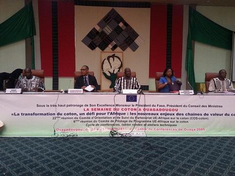 Semaine du coton à Ouagadougou: Réflexion autour des enjeux des chaines de valeur