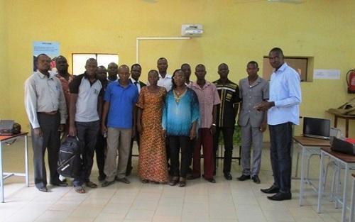 Association Graine de paix: Un atelier pour valider les programmes de cercles de paix et droits humains dans les établissements scolaires