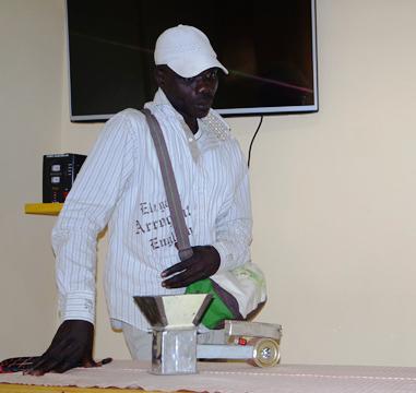 Innovation: Jean Roger Sandwidi, l'homme qui révolutionne la préparation du thé
