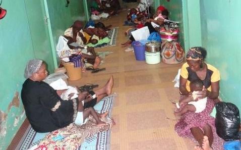 Hôpital Yalgado Ouédraogo: Le service pédiatrie confronté à un surnombre d'enfants