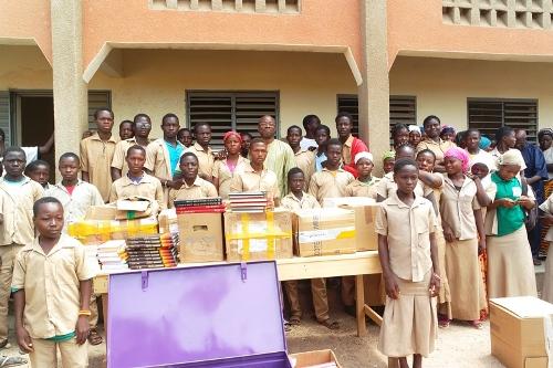 Education: Quand des Français apportent de l'espoir à des élèves burkinabè