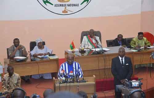 Burkina Faso: Avec 6,2% de croissance en 2016, le Burkina va de mieux en mieux selon le Premier ministre Thiéba