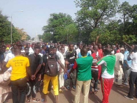 Bobo-Dioulasso: Les OSC et commerçants ont marché pour réclamer la relance économique de ladite ville