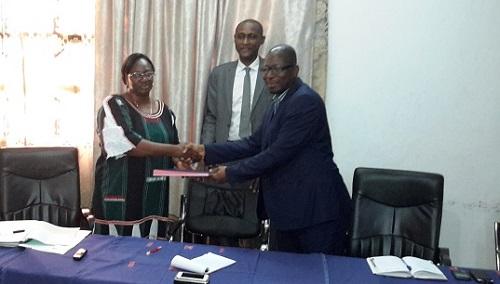 Passation de service au Secrétariat Permanent de l'ITIE: Alice Zida/Thiombiano succède à Halidou Ouédraogo