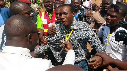 Journée nationale du paysan à Kaya: Un gendarme agresse un journaliste, le président du Faso réagit