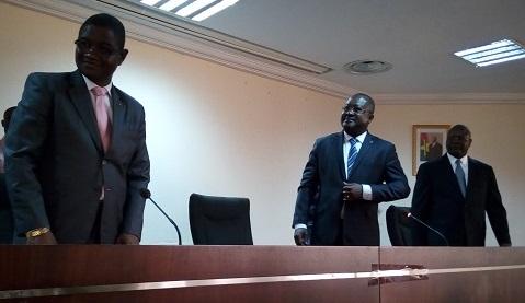 Ministère de la défense nationale et des anciens combattants: Le Colonel-major Alassane Moné passe la charge à S. Justin Somé