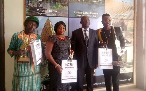 Air Burkina: Des artistes reçoivent des billets d'avion