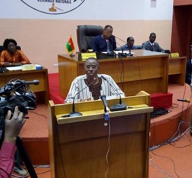 Fonction publique: Le ministre de la fonction publique pour des états généraux