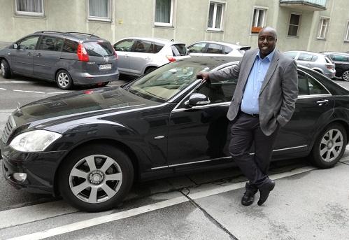 20ème anniversaire de l'Ambassade du Burkina Faso à Vienne: Arrêt sur Roger KWIHANAGANA et Boutheina CHABOUH, deux agents qui ont vu grandir le bébé