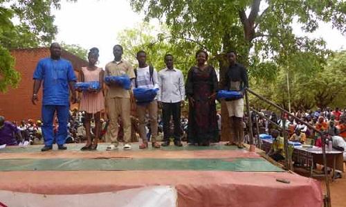 Education: Des lauriers pour les meilleurs élèves du lycée municipal de Bobo