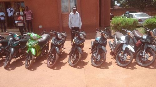 Bobo-Dioulasso: Un malfrat spécialisé dans les vols d'engins à deux roues appréhendé