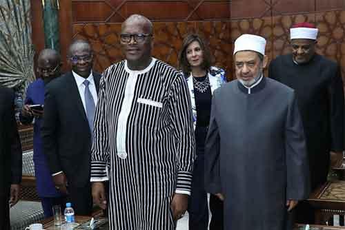Le Président Roch Kaboré chez  le grand imam de la mosquée Al-Azhar du Caire et  Théodore II d'Alexandrie