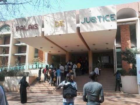 Les magistrats et le personnel judiciaire en grève — Burkina