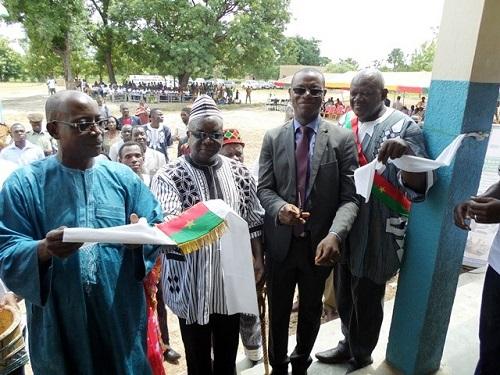 Commune de Diébougou: Fonds enfants à offert un Collège et un service social
