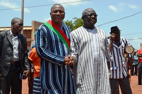 «Le développement, c'est comme le soleil, on ne peut pas le cacher avec la main», exalte le maire de Toma, Malik Garané
