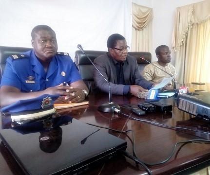 Traitement de l'information en période d'attaques terroristes: Les journalistes de la région du Centre à l'école du CSC