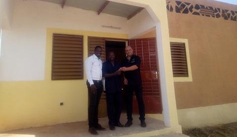 Cité  Burkindi de PNBF à Bassinko: Des familles ont reçu leurs clés