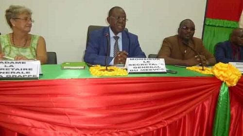 Evaluation environnementale: Des membres de la chambre regionale de commerce et d'industrie de l'ouest ont été sensibilisés