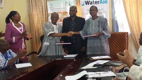Eau et assainissement: Water Aid et le FONRID signent une convention pour promouvoir la recherche