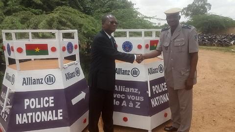 Sécurité routière: Le Groupe Allianz Burkina offre des boxes métalliques à la Police nationale