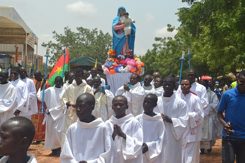 La solennité de l'Assomption célébrée sous le signe de la pénitence et de l'action de grâce à Yagma