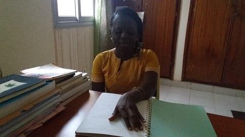 Awa Baguia: Handicapée visuelle, diplômée en sociologie