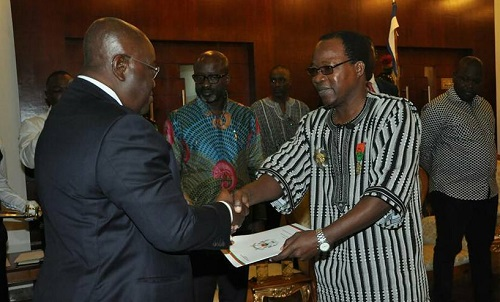 Diplomatie: Pingrenoma ZAGRE présente ses lettres de créances au Président ghanéen