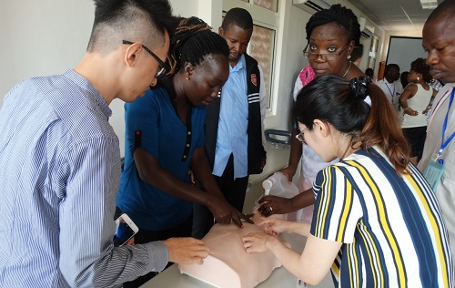 Coopération entre l'ambassade des Etats-Unis d'Amérique et le Centre Hospitalier Universitaire Blaise COMPAORE: formation du personnel sur la prise en charge des urgences médico-chirurgicales.