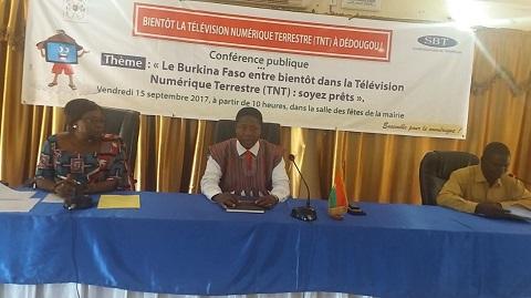 La TNT à Dédougou: une conférence publique, pour mieux informer les populations