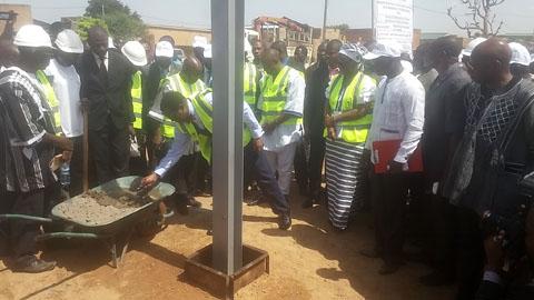 Energie au Burkina: Plus de 31 milliards de FCFA pour éclairer les zones péri-urbaines de Ouaga et Bobo