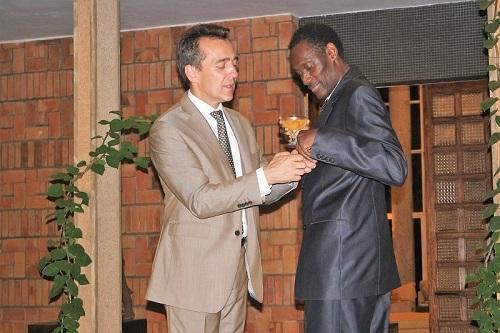Burkina: Le Pr. Youssoufou Joseph Drabo fait Officier de la Légion d'honneur par la France