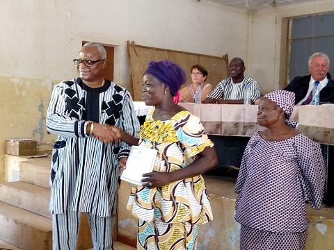 Fabrication de savon et de pommade cosmétique: 100 femmes formées par la Mairie