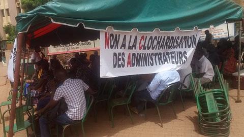 Administrateurs civils: Le syndicat à un doigt de la grève, l'autorité appelle au dialogue