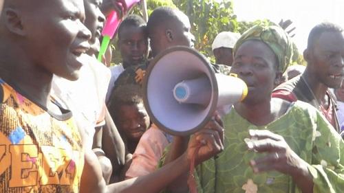 Manifestation de colère à Sidéradougou: La population exige le bitumage de la nationale 11