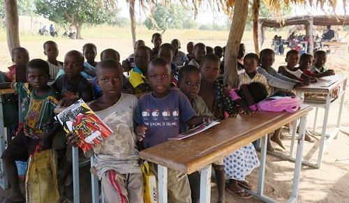 Education: Wan, le village oublié  et ses classes sous paillotes