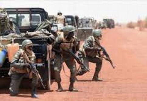 Attaques terroristes: Des victimes et du matériel détruit chez les assaillants