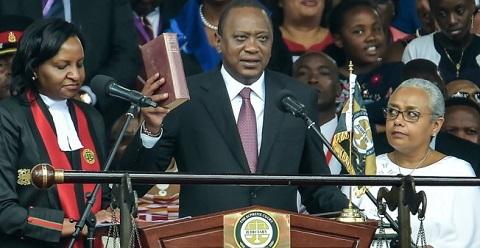 Kenya: Uhuru Kenyatta investi pour un second et dernier mandat