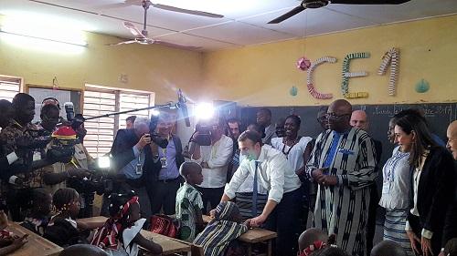 Education: Emmanuel Macron a visité l'école primaire Lagm-Taaba à Ouagadougou
