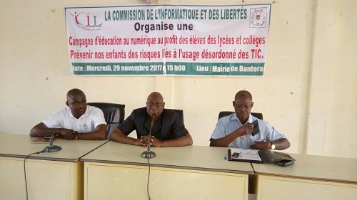 Protection des données personnelles: Élèves et administrateurs publics de la ville de Banfora à l'école de la CIL