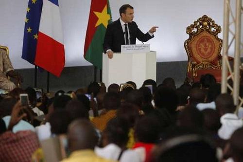 Emmanuel Macron au Burkina: Il faut plutôt féliciter les étudiants pour leurs questions (1/2)