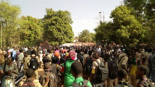 Éducation nationale: Les élèves de Bobo-Dioulasso manifestent pour soutenir leurs enseignants