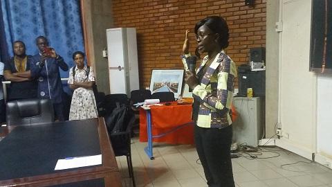 Soutenance de thèse au 2iE: Yasmine Binta Traoré valorise les coques de noix de palme