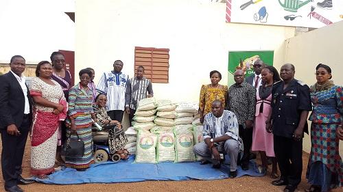 Aide aux personnes vulnérables: La FIAB offre une tonne de riz au Fonds national de solidarité