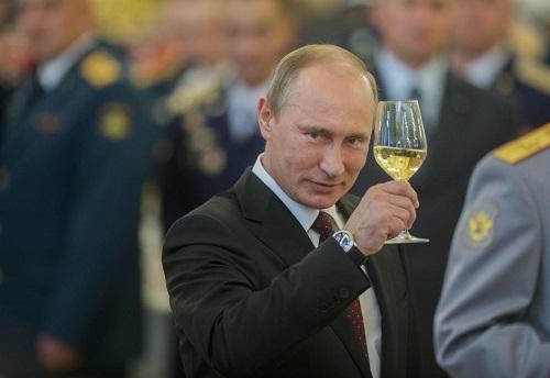 Présidentielle russe 2018: Un autre coup de maître de Poutine?