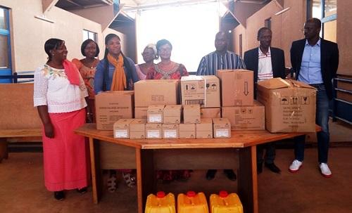 Yalgado: Des Burkinabè de Californie offrent des consommables médicaux