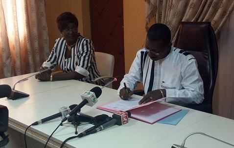 Solidarité nationale: Alassane Sakandé matérialise sa promesse de céder 50% de son salaire de base aux orphelinats